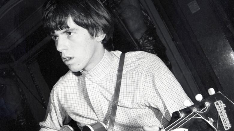 Unge Keith Richards spiller gitar