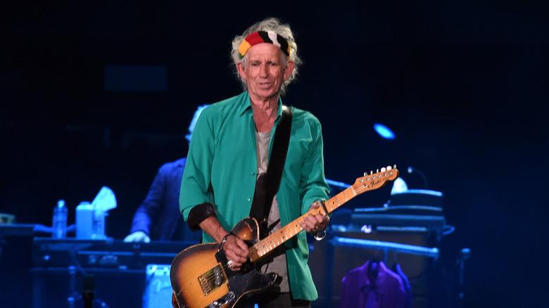 Keith Richards spiller gitar
