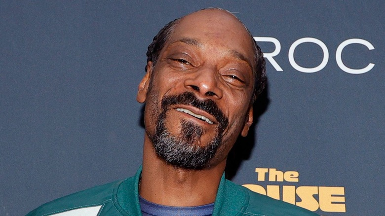 Snoop Dogg smiler
