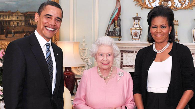 Barack Obama, dronning Elizabeth og Michelle Obama i 2009