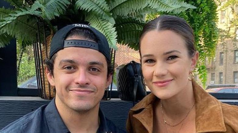 Lucca De Oliveira og Amanda Mitchell smiler