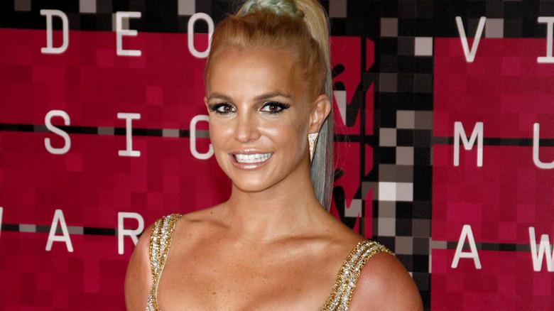 Britney Spears hestehale
