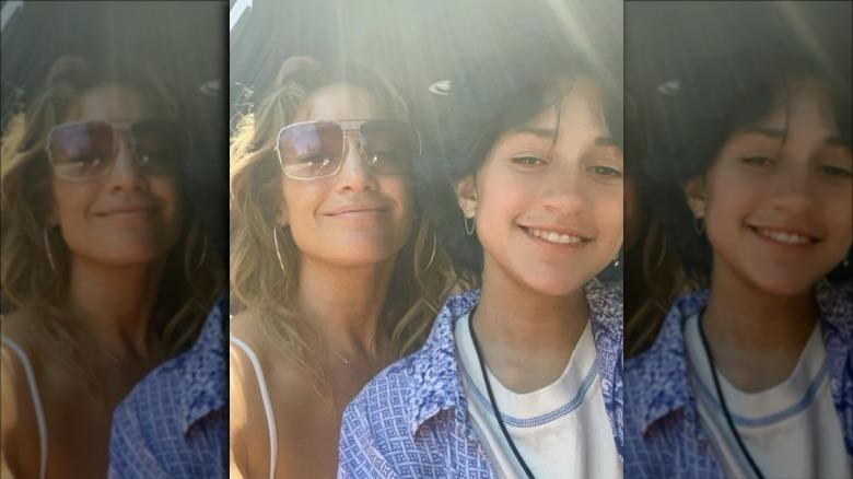 Jennifer Lopez og datteren Emme smiler sammen i en selfie på Instagram