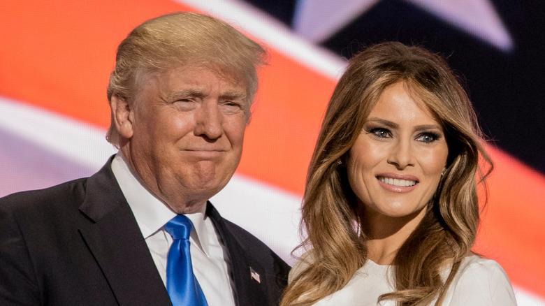 Donald Trump og Melania Trump smilende