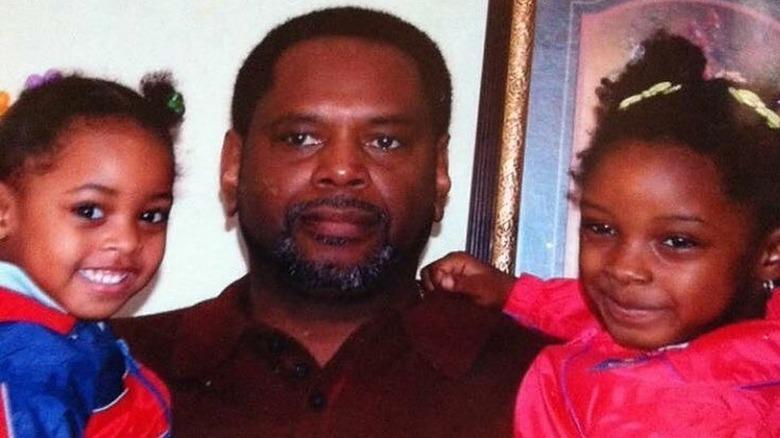 Simone Biles med søsteren og faren