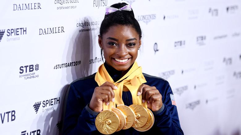 Simone Biles med gullmedaljer