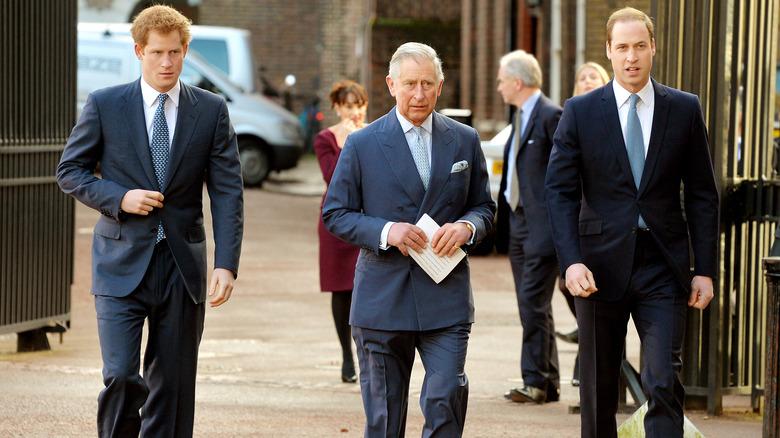Prins Charles med sønnene sine