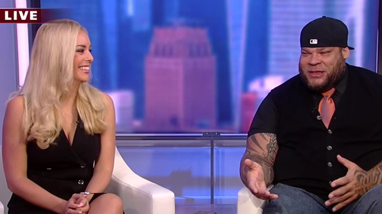 Britt McHenry og Tyrus under et intervju