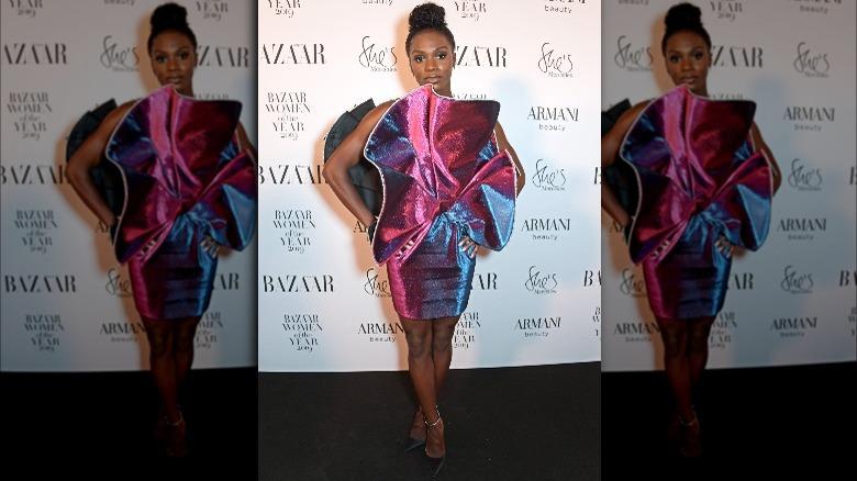 Dina Asher-Smith i en rosa kjole