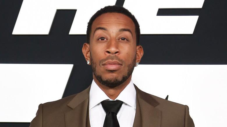 Ludacris løfter øyenbrynet litt