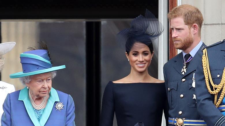 Dronning Elizabeth, Meghan Markle og prins Harry