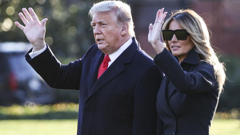 Donald og Melania Trump bølger til folkemengder i 2020