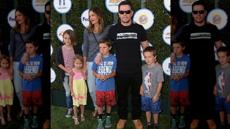 Mark Wahlberg med familien.