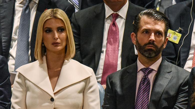 Ivanka Trump og Donald Trump Jr. hører under en tale av president Donald Trump på FN 2019