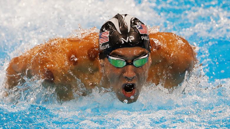 Michael Phelps svømmer