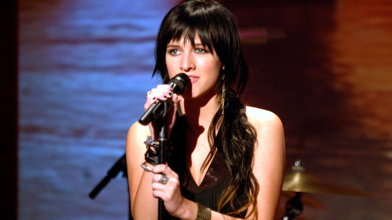Ashlee Simpson synger