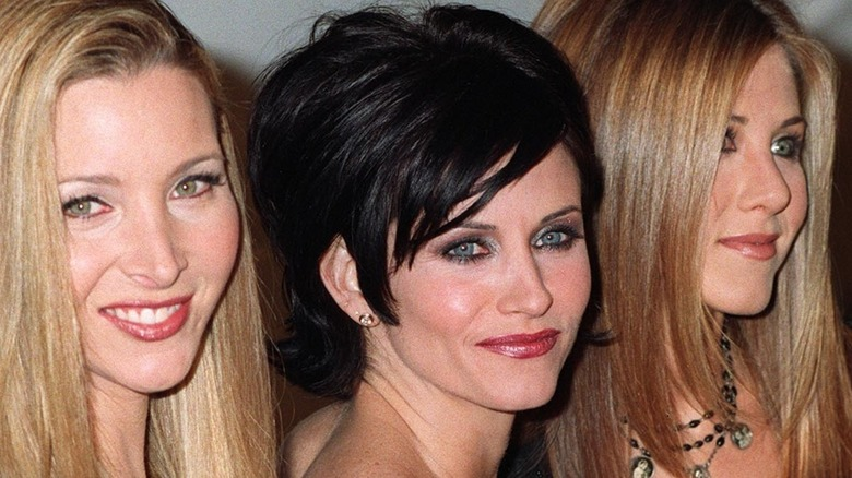 Lisa Kudrow, Courteney Cox og Jennifer Aniston på den røde løperen