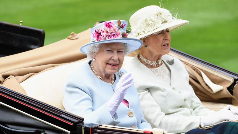 Prinsesse Alexandra og dronning Elizabeth II