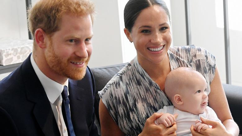Prins Harry, Meghan Markle og babyen Archie i 2019