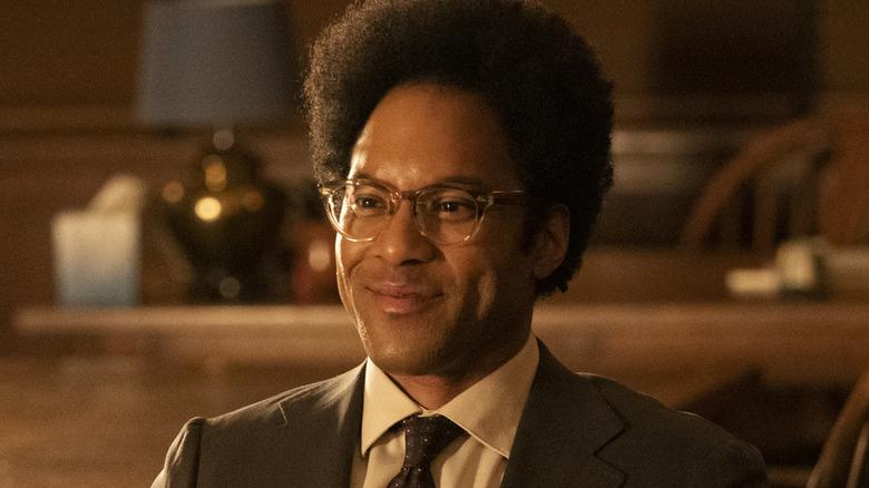 Jonathan Fernandez smilende briller