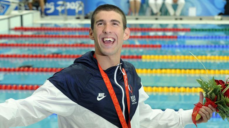 Michael Phelps etter å ha vunnet i Beijing