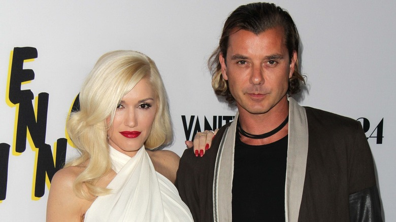 Gwen Stefani og Gavin Rossdale poserer på den røde løperen