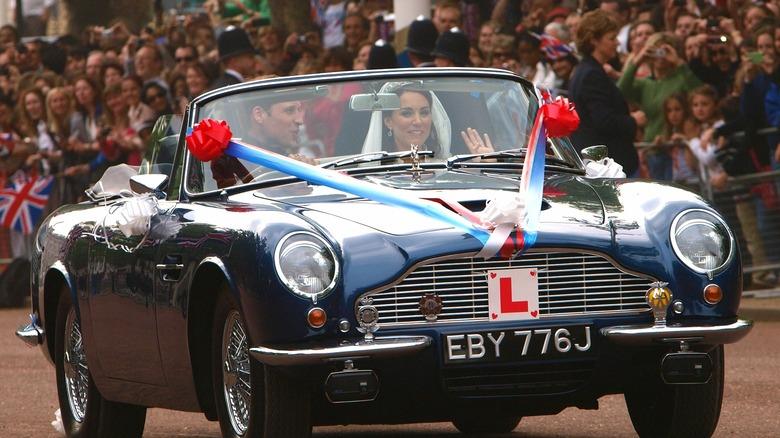 Prins William og Kate Middleton i konvertible