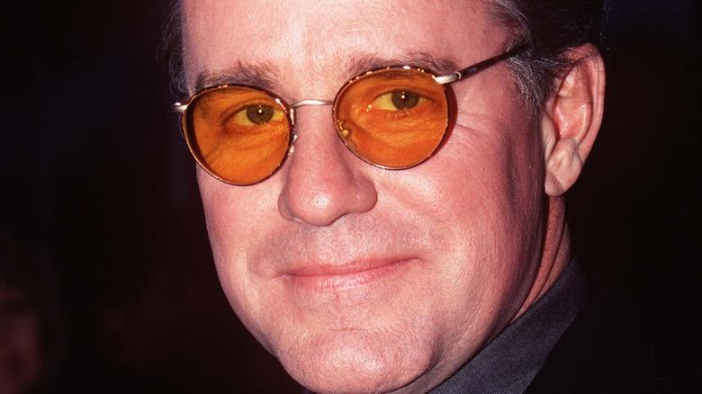 Phil Hartman oransje solbriller rød løper