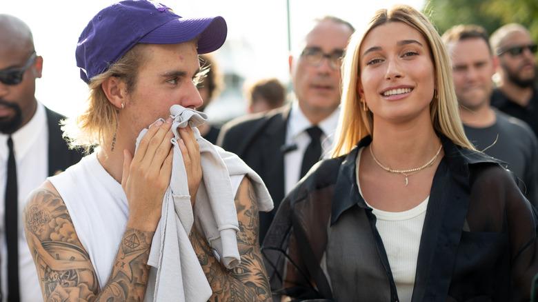 Justin og Hailey Bieber går