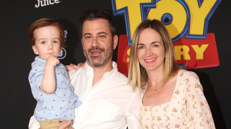 Billy Kimmel, Jimmy Kimmel og Molly McNearney smiler