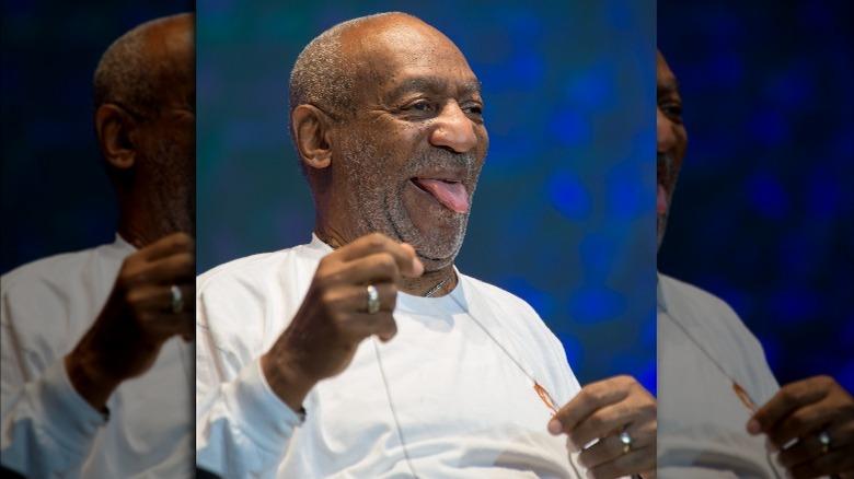 Bill Cosby stikker tungen i 2014