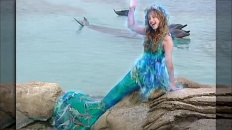 unge Montana Tucker som havfrue