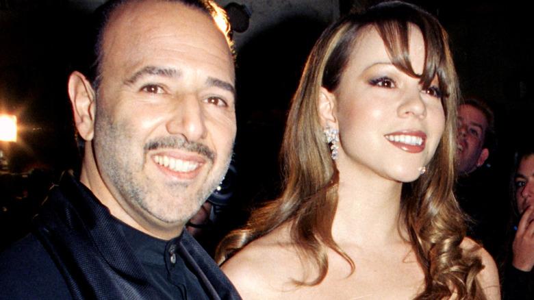Tommy Mottola og Mariah Carey smiler
