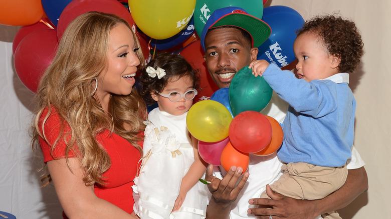 Mariah Carey og Nick Cannon med tvillingene Monroe og marokkanske