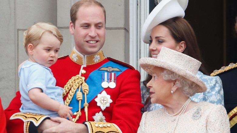 Prins George og dronning Elizabeth
