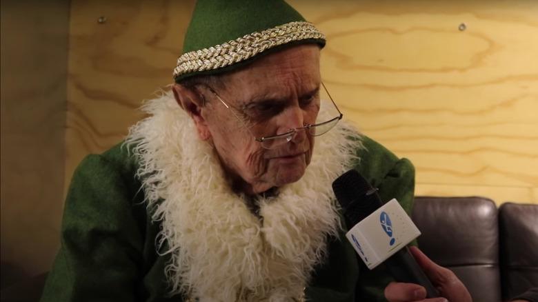 Bob Newhart kledde seg ut som Papa Elf