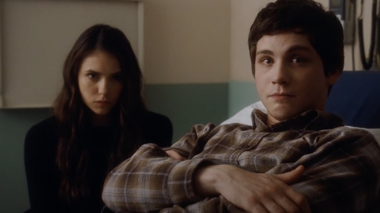 """Nina Dobrev og Logan Lerman i """"Fordelene ved å være en veggblomst"""""""