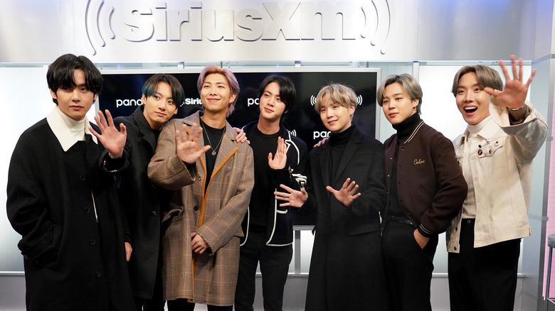 BTS besøker Sirius XM-studioene