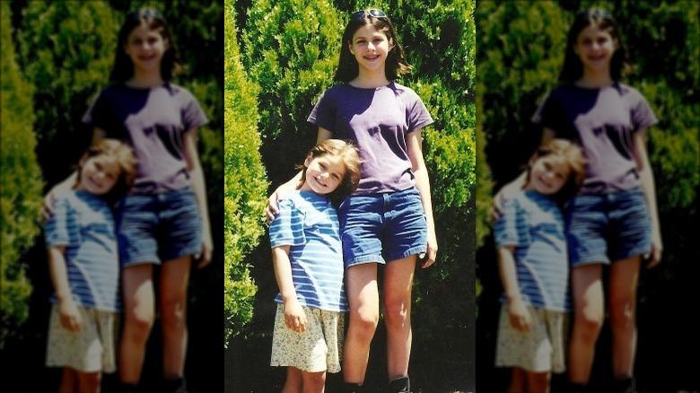 Alexandra og Catharine Daddario som barn