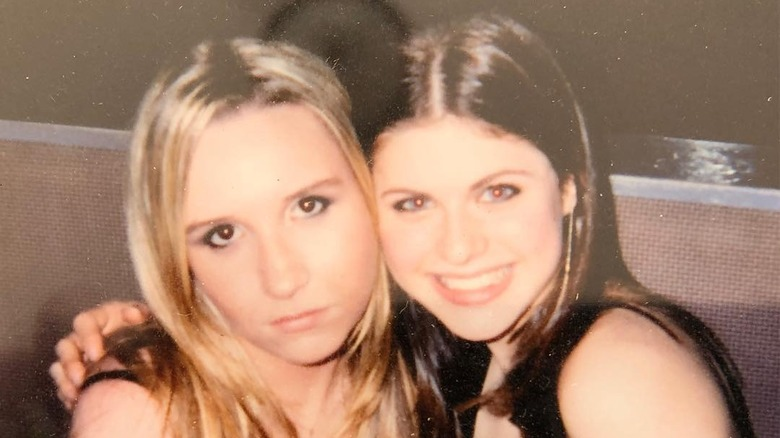 Penelope Lawson og Alexandra Daddario i 2002