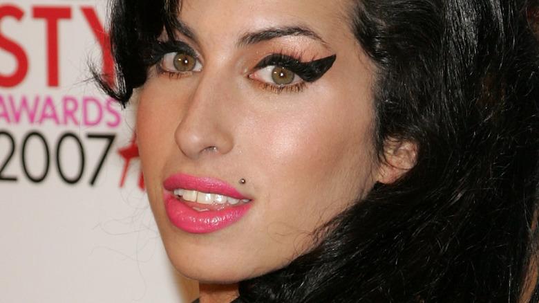 Amy Winehouse poserer