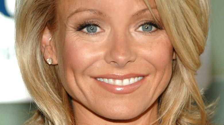 Kelly Ripa smiler