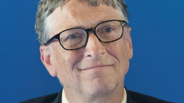 Bill Gates smiler på arrangementet
