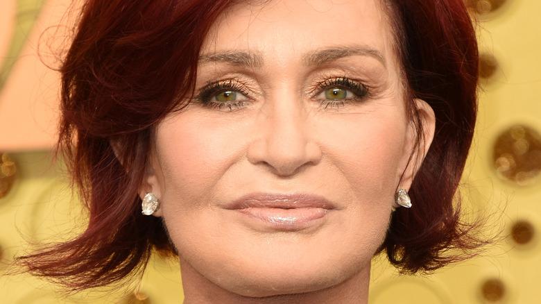 Sharon Osbourne smiler i 2019