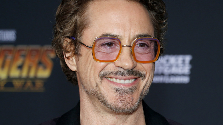 Smilende Robert Downey, Jr på premieren til Disney og Marvels 'Avengers: Infinity War' i 2018.