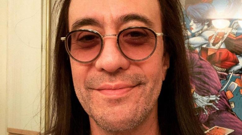 Jeff LaBar smilende briller
