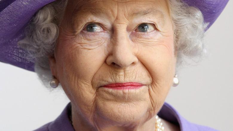Dronning Elizabeth lilla hatt