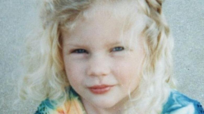 Taylor Swift iført slipsfarge