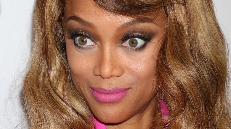 Tyra Banks smiler