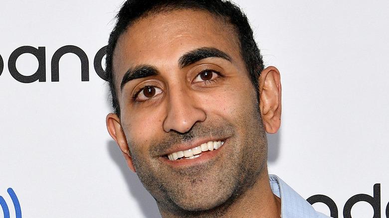 Vishal Parvani smiler på den røde løperen